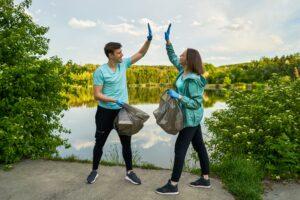 Plogging: l'attività fisica che coniuga sport e cura per l'ambiente